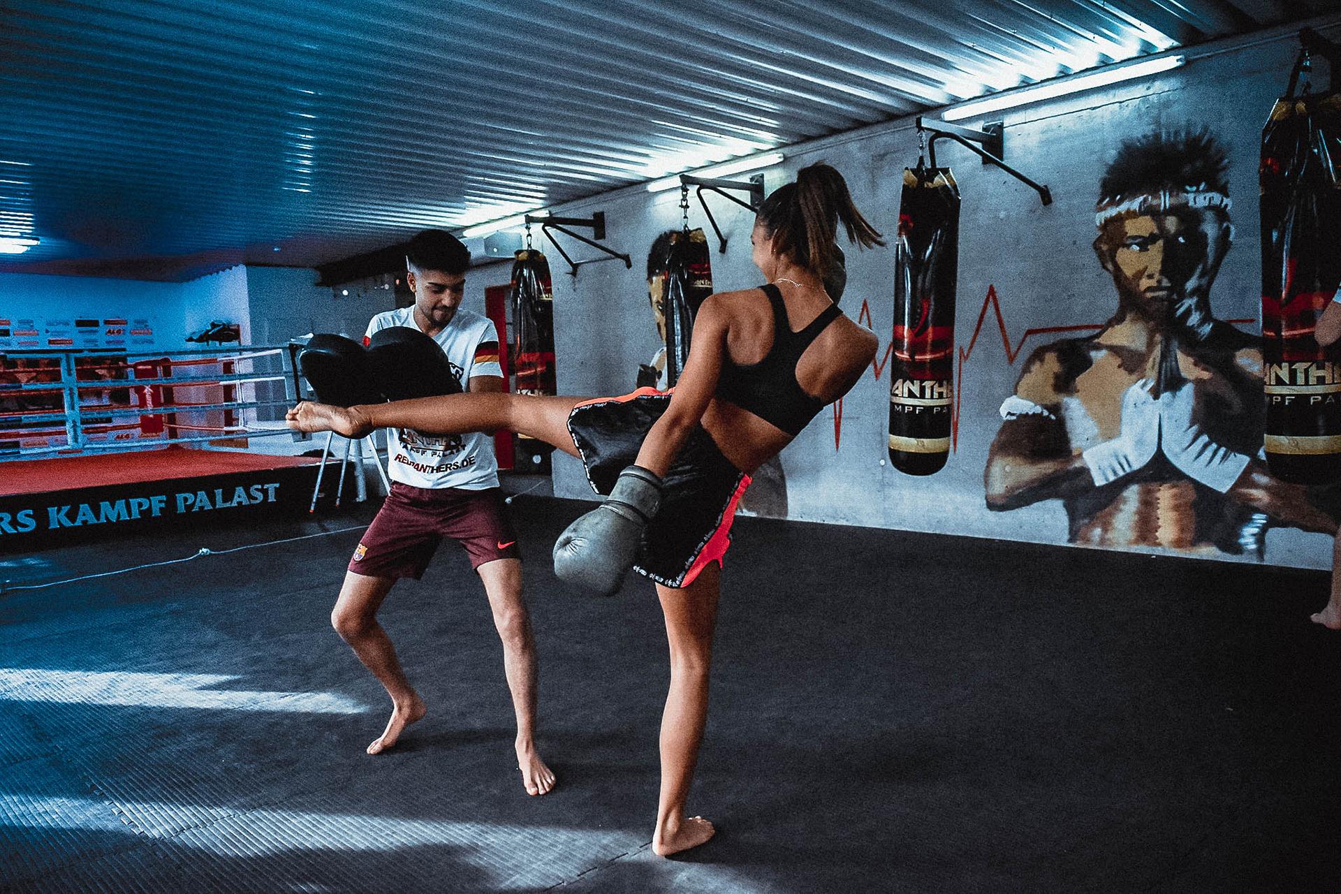 Kickboxen Tritt RedPanthers