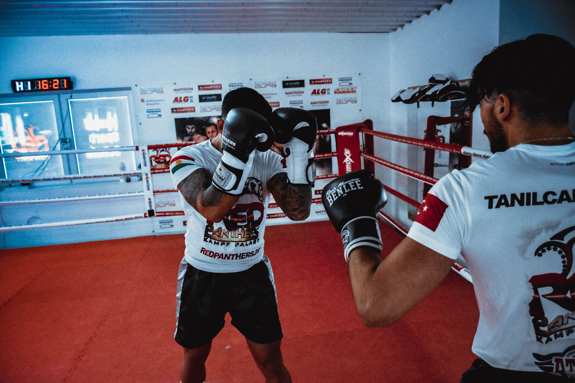 Deckung beim Sparring RedPanthers
